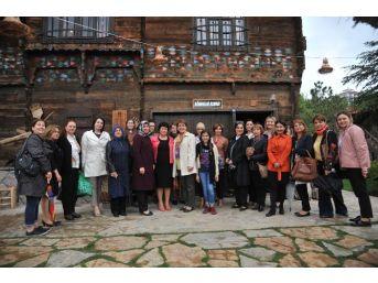 Büyükelçi Ve Diplomat Eşleri Altınköy'de