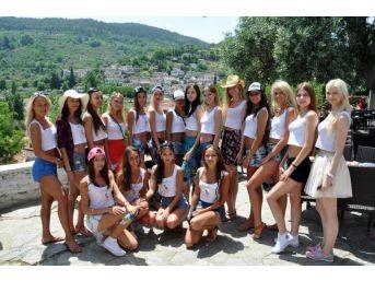 Miss Apollon Güzelleri Aqua Park'ta Stres Attı