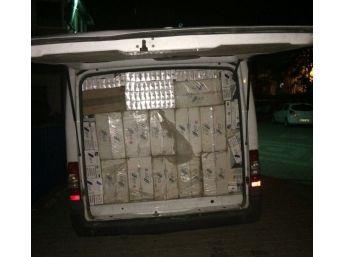 Polisten Kaçmaya Çalışan Araçta 38 Bin Paket Kaçak Sigara Ele Geçirildi
