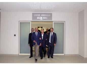 Sağlık Bakanı Müezzinoğlu, Rektör Ulcay'ı Ziyaret Etti