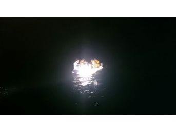 Ege'de 331 Göçmen Denizin Ortasından Kurtarıldı