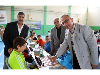 Sapanca Belediyesi Satranç Turnuvası Başladı