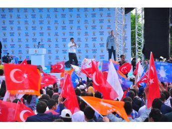 Başbakan Davutoğlu Şırnak'ta Ev Ziyaretinde Bulundu