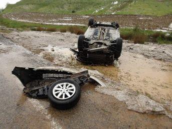 Yozgat'ta Dolu Yağışı Trafik Kazasına Sebep Oldu: 3 Yaralı