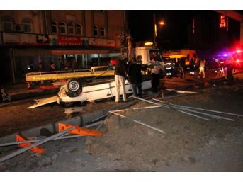 Otomobil Köprüden Uçtu: 1 Yaralı