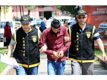 Adana'da Kapkaç Anı Kamerada