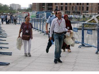 Kayseri'de Oylar Çuvalla Seçim Kuruluna Getiriliyor
