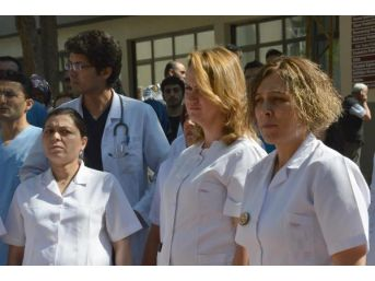 Konya'da Doktorlar, Öldürülen Meslektaşları Için Iş Bıraktı