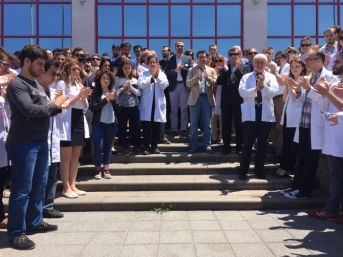 Tıp Fakültesi Hastanesi Çalışanları Saldırıyı Kınadı