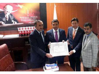Ak Parti Kırşehir Milletvekili Çetinkaya Mazbatasını Aldı