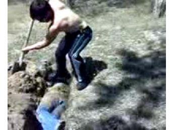 'mezara Gömme' Görüntüsüyle Fuhuşa Zorlama Cezalarına Onama