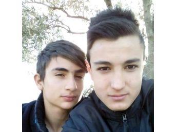 İzmir'de İki Arkadaş Kazada Can Verdi