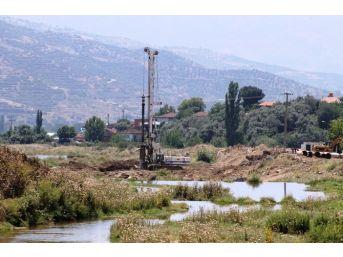 Küçük Menderes'e Kiraz'da Yeni Köprü