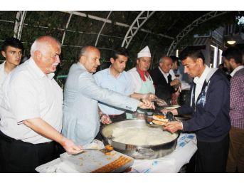 Başkan Arslan, İlk İftarını Vatandaşlarla Açtı