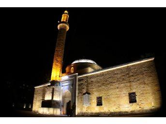 Kırşehir'de 600 Camide İlk Teravih Namazı Kılındı