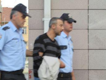 6 Ayrı Suçtan Aranan Şahıs Polisten Kaçamadı