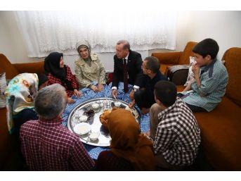 Cumhurbaşkanı Erdoğan'dan Sürpriz İftar Ziyareti