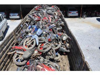 Trafikten Men Edilen Motosikletler Kilosu 1.25 Liradan Satıldı