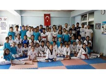 Taekwondocular Ortak Antranmanda Buluştu