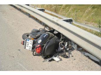 Kaza Yapan Motosiklet Sürücüsünün Ezilen Bacağı Kesildi