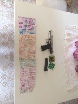 Ptt Soyguncusu Evinde Paraları Sayarken Yakalandı