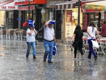 İzmir'de Korkutan Sağanak