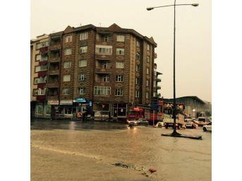 Kırşehir'de Şiddetli Yağış