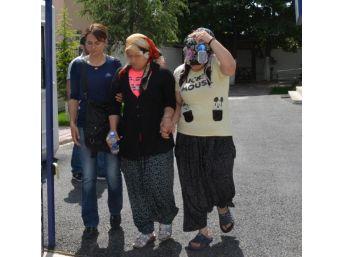 İki Kadın, 'kocalarımız Evde Yok' Deyip Çağırdığı Mobilyacıya Şantaj Yapmış