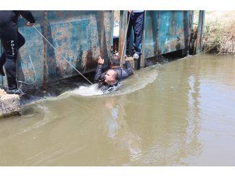 19 Yaşındaki Genç Sulama Kanalına Atladı