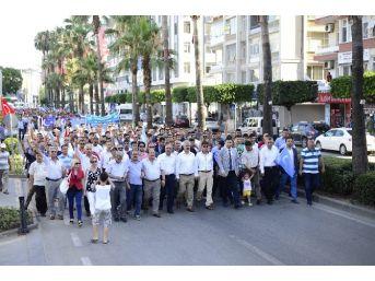 Adana'da Çin'e Tepki Yürüyüşü