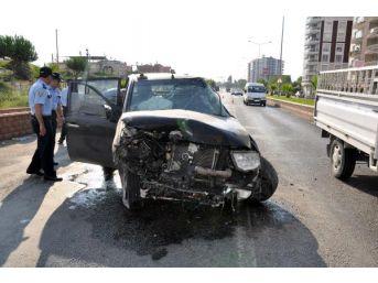 Kadın Sürücü Kazada Yaralandı