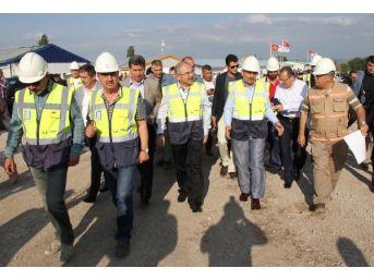 Bakan Müezzinoğlu: Türkiye'nin Temel Sorunu Reel Muhalefetin Olmaması