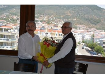 Hayırsever Mehmet Bolluk Spor Salonu Yapımı Protokolüne İmza Attı