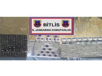 Jandarma 40 Bin Paket Kaçak Sigara Ve Sahte Plaka Ele Geçirdi