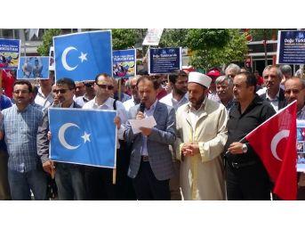 Bolu'da Doğu Türkistan'da Ölenler İçin Gıyabi Cenaze Namazı Kılındı