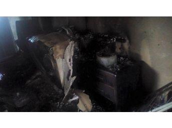 Buzdolabı Patladı, İki Katlı Ev Kullanılamaz Hale Geldi