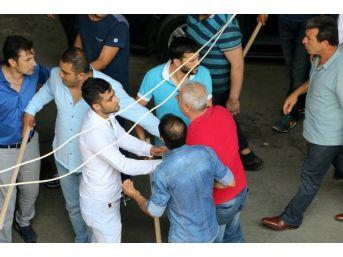Otogarda Iki Grup Arasında Sopalı Kavga