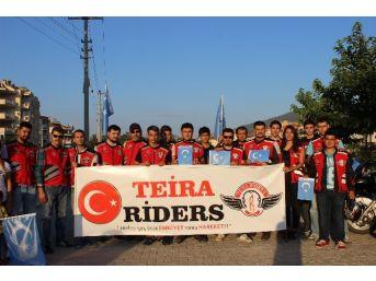 Doğu Türkistan İçin Kortej