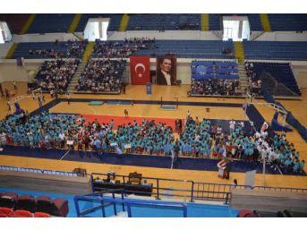 İzmir İl Spor Merkezleri'nde Coşkulu Açılış