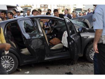 Ters Yöne Giren Minibüs Polis Memurunun Otomobiline Çarptı: 3 Ölü