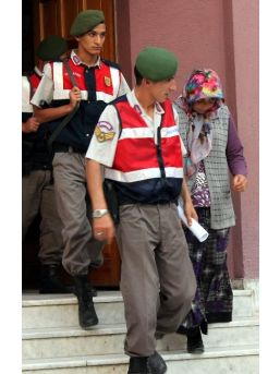 İşkenceci Kocasını Öldüren Kadına 15 Yıl Hapis