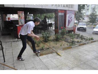 Seydişehir'de Sağanak Yağış Hayatı Olumsuz Etkiledi