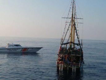 Akdeniz'de 362 Kaçak Göçmen Yakalandı