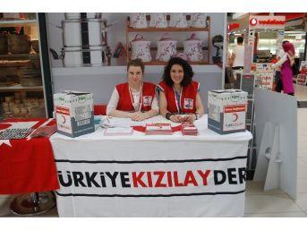 Kızılay'dan Yardım Paketi