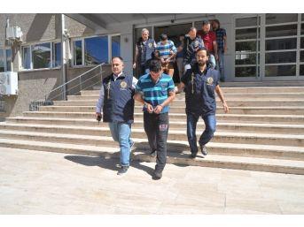 Uşak'ta Sahte Altın Satmak İsteyen 2 Kişi Yakalandı