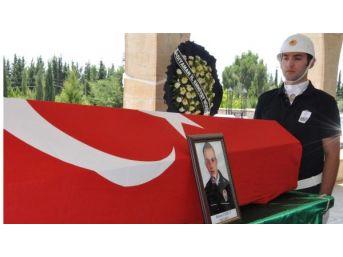 Kazada Ölen Polisin Cenazesi Gözyaşlarıyla Toprağa Verildi