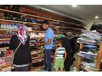 Hayatcan'da Bayram Hedefi 4 Bin Kişiye Kıyafet Yardımı