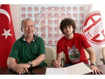 Antalyaspor'a Oğuz'dan Imza