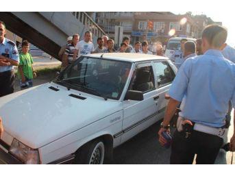 Işık Ihlali Yapan Otomobilin Çarptığı Çocuk Ağır Yaralandı