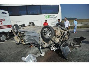 Bursa'da Otomobil Takla Attı: 1'i Ağır 4 Yaralı